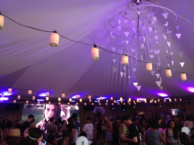 currently crushing, h&m tent coachella