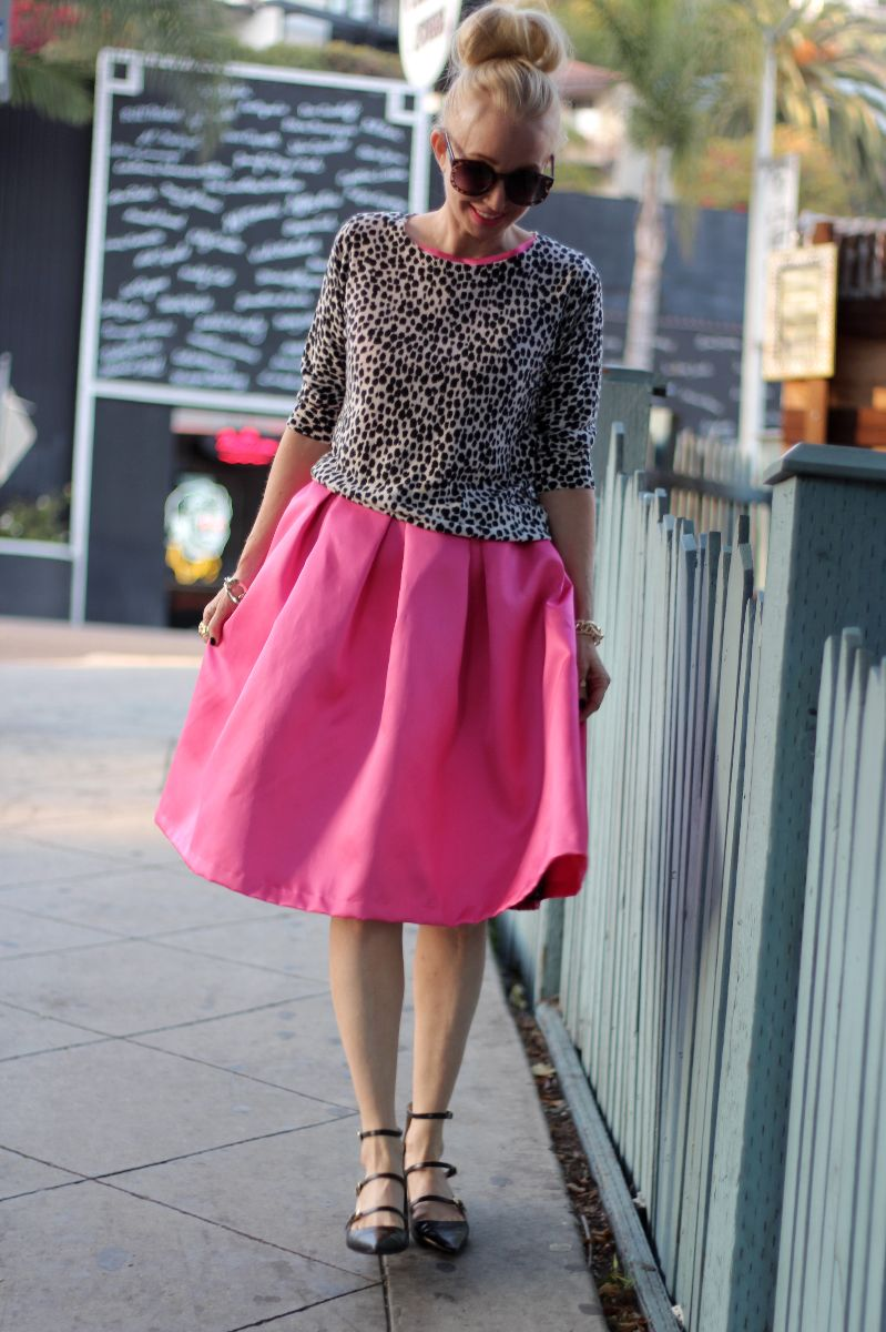 pinik valentino skirt, valentino dress, pink midi skirt, zara pointy toe flats