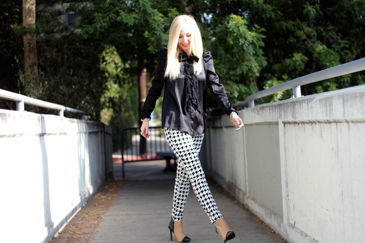 houndstooth pants, forever 21 houndstooth, checkered pants, givenchy silk blouse, shoemint jane booties, shoemint jane
