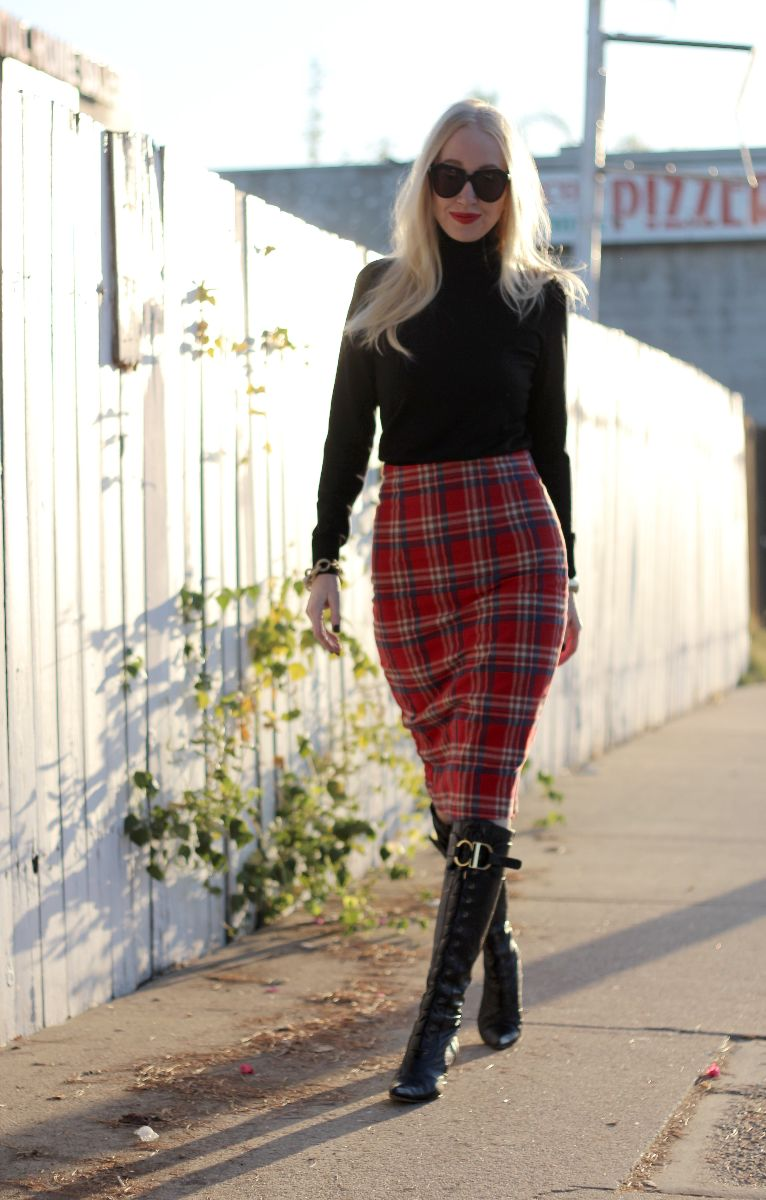 Boohoo plaid skirt, plaid pencil skirt, dior ostrich boots, dior lace front boots, black turtleneck, kristixoxo, karen walker number one, karen walker sunglasses