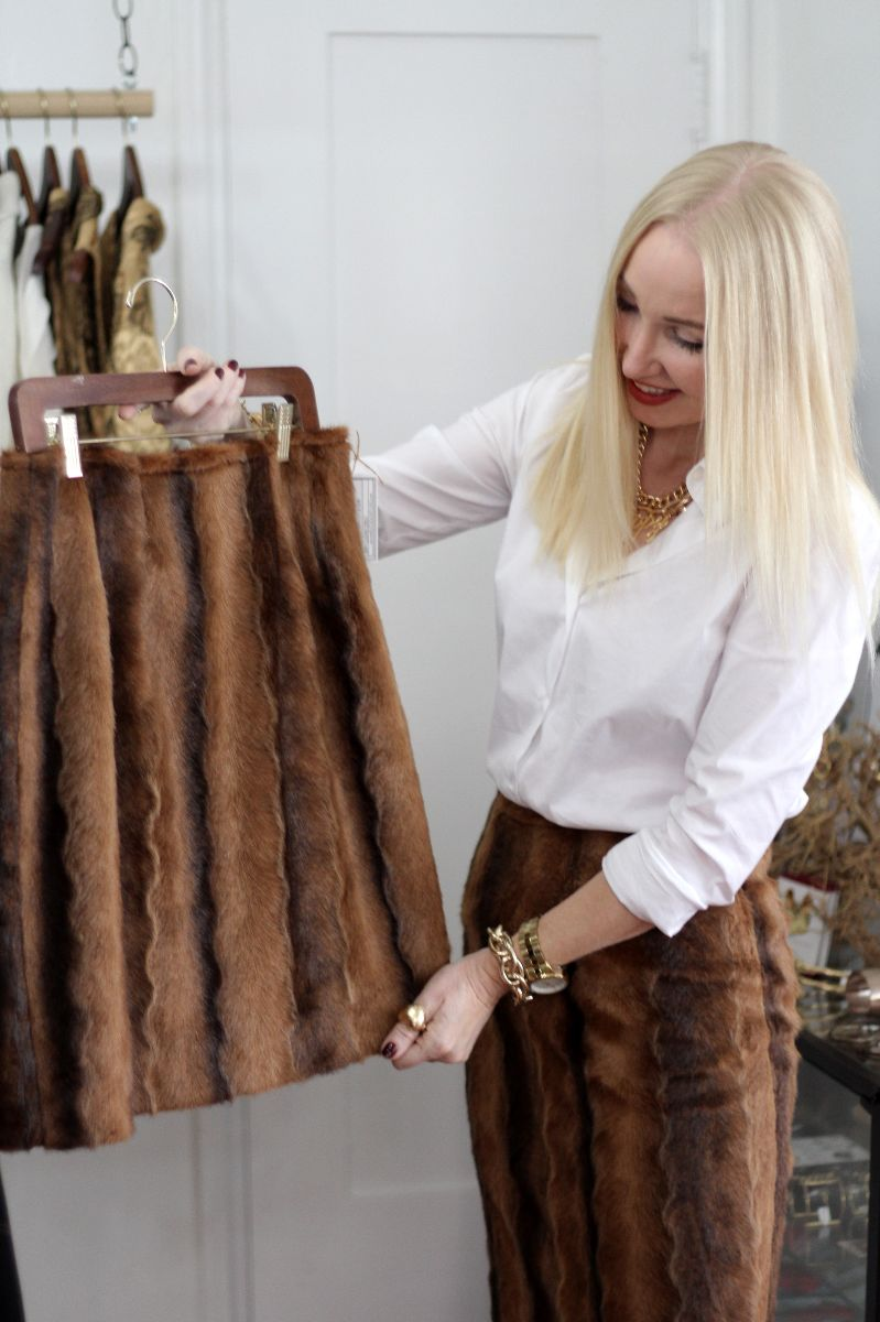 currently crushing, fake fur skirt, faux fur fox skirt, kristi xoxo