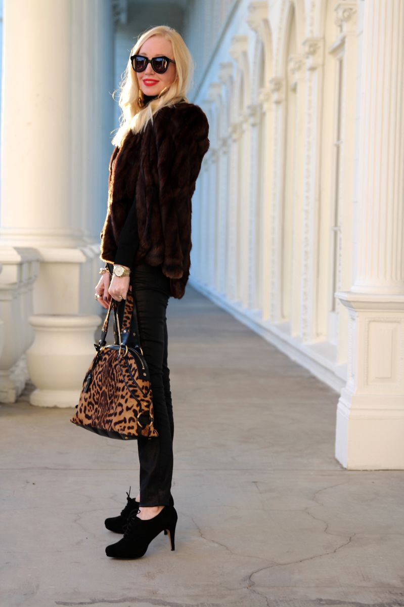 vintage fur cape, karen walker number one, ysl muse dome bag, leopard ysl bag, currently crushing
