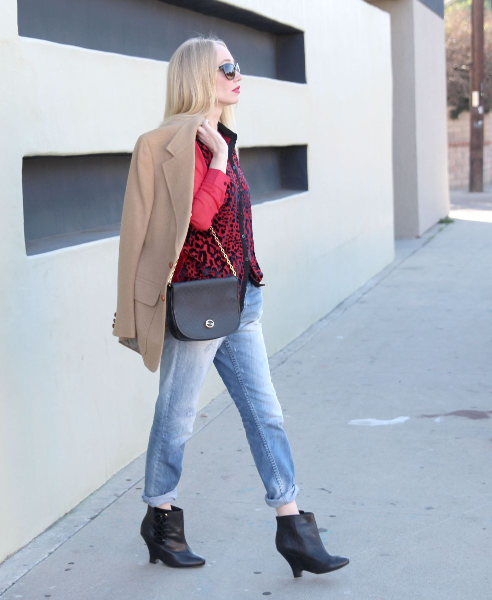 boohoo red leopard shirt, h&m boyfriend jeans, vintage gucci chain bag, kg by kurt geiger booties, currently crushing