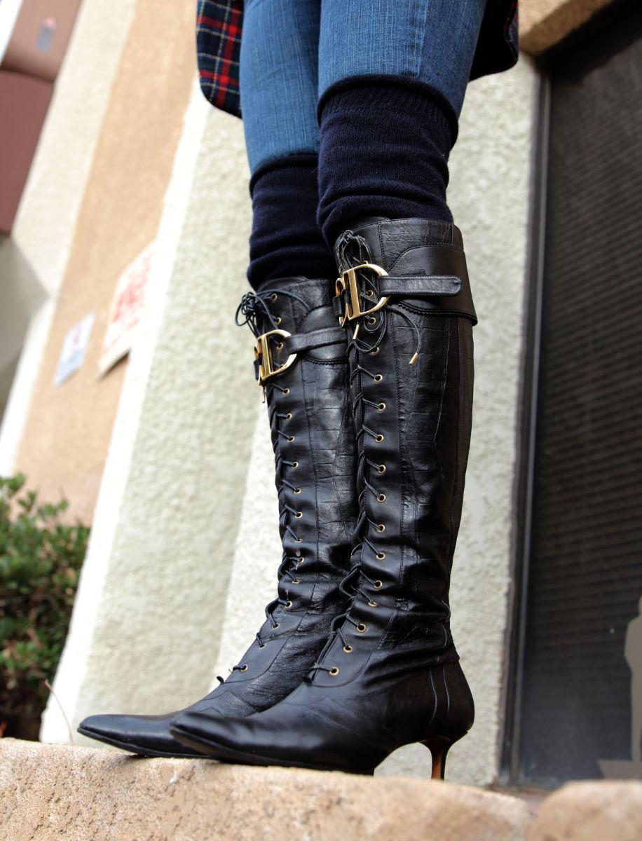 currenty crushing, dior kitten heel logo boots