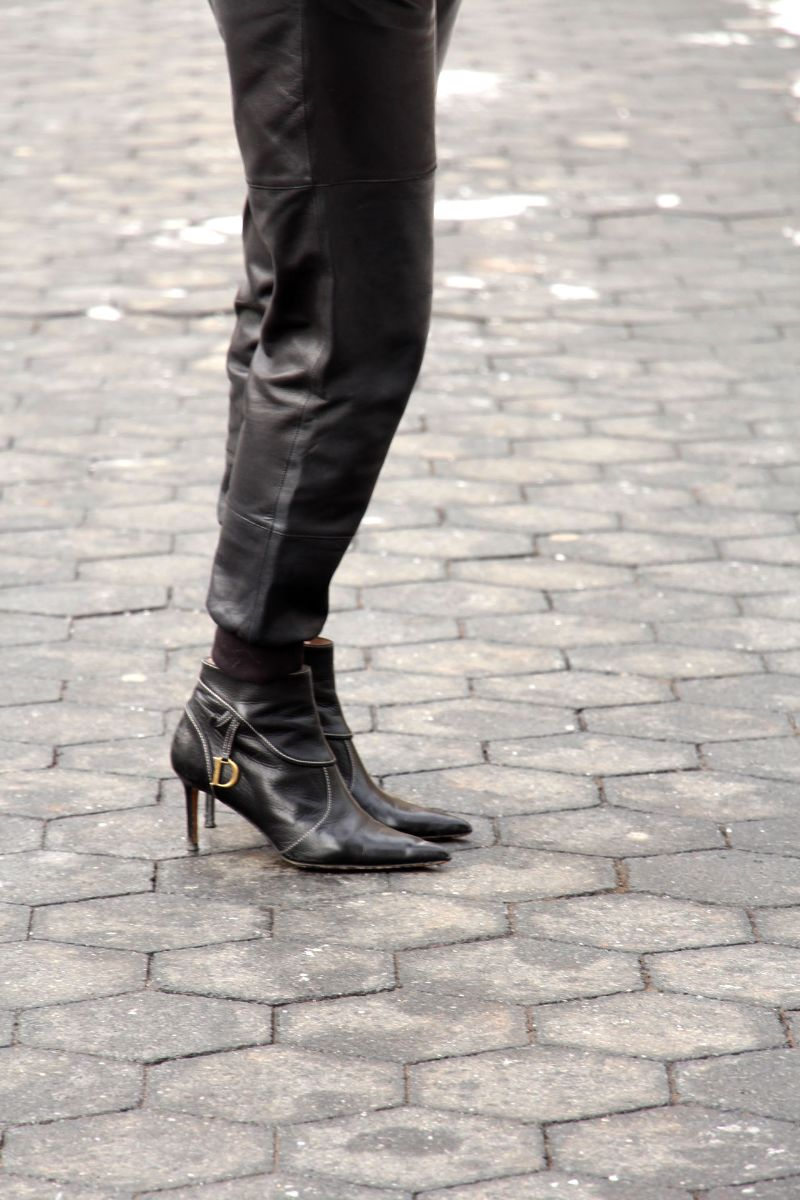currently crushing, elizabeth and james leather sweatpants, dior point toe booties