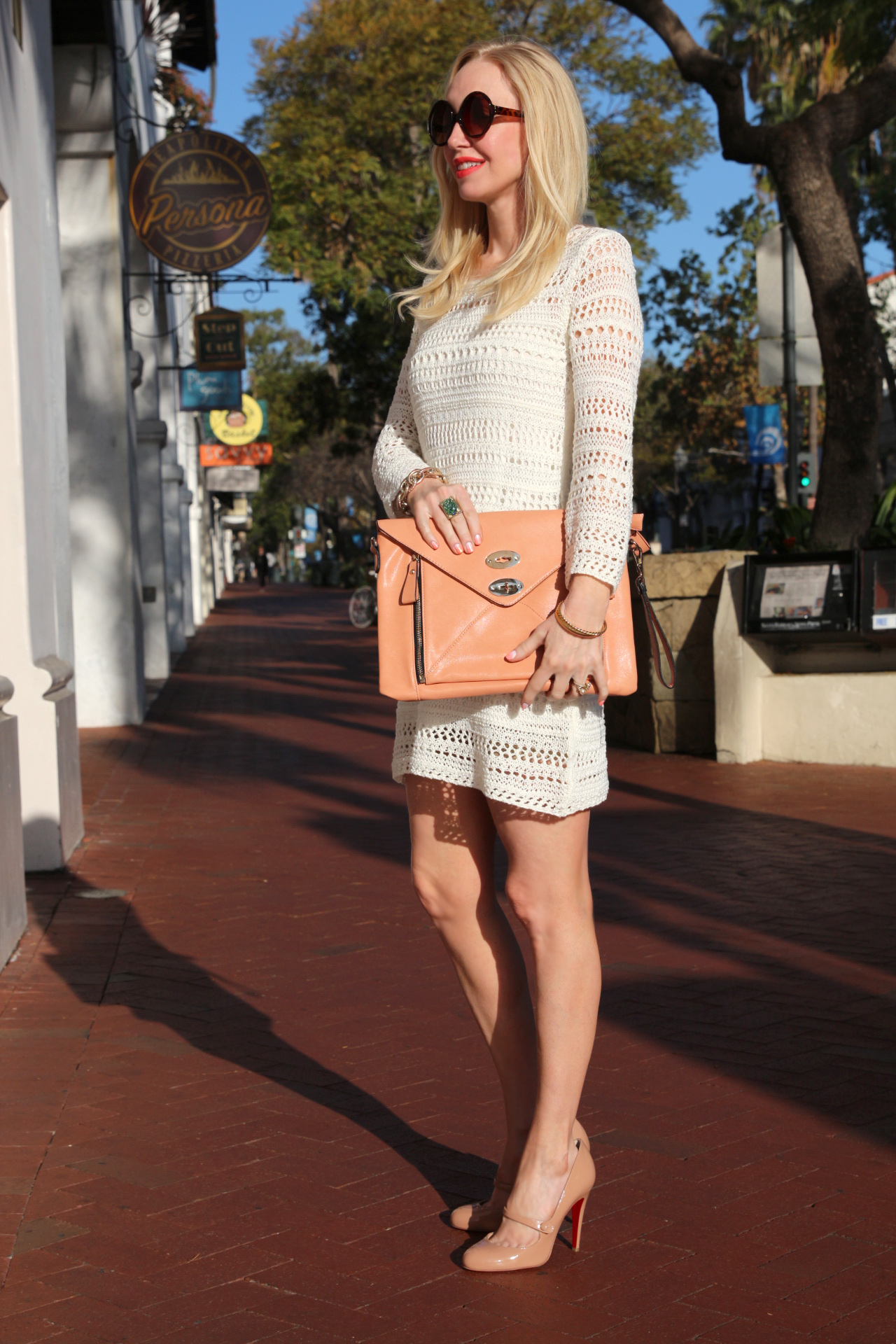 currently crushing, louboutin charlene mary jane pumps, purse mafia clutch, h&m crochet dress