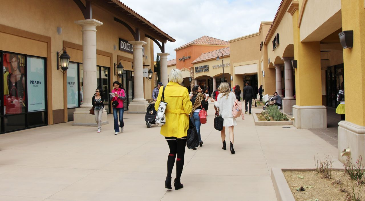 currently crushing, desert hills premium outlets expansion