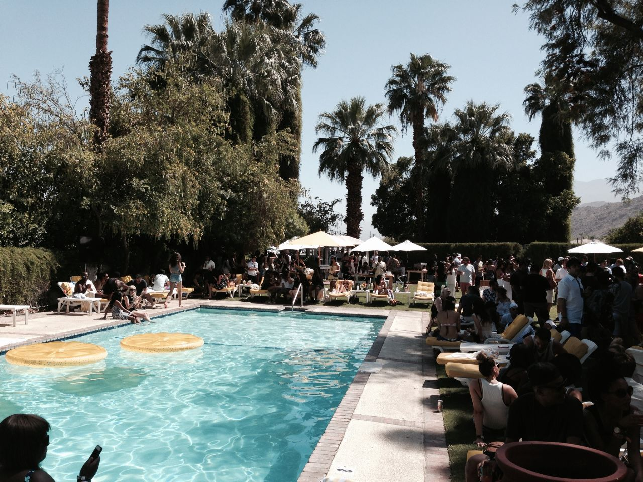 currently crushing, music lounge coachella ingleside inn
