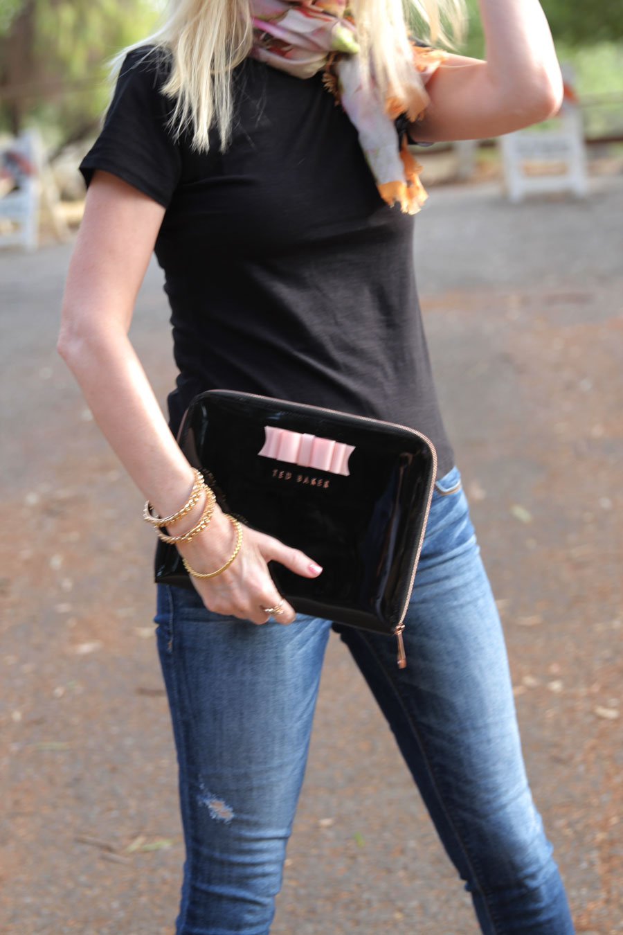 currently crushing, ted baker clutch, ted baker scarf, dittos jeans, spy optic sunglasses
