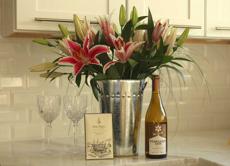 stargazer barn flowers, stargazer barn wine, international womens day, currently crushing, dick taylor chocolate