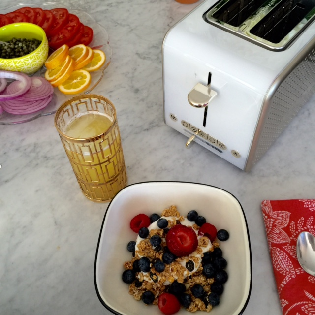 currently crushing, bella dots coffeemaker, bella appliances, bella dots toaster, gilded pineapples, brunch recipes
