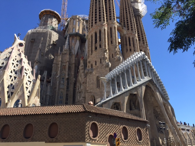 currently crushing, gaudi architecture barcelona, spain travel