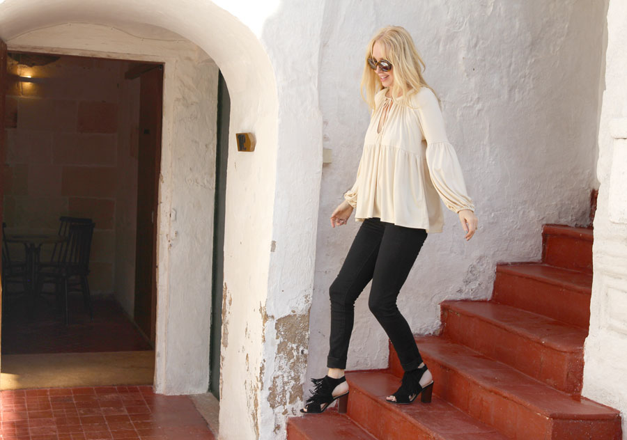 currently crushing, travel style, menorca spain, rachel pally top, levis 711 jeans, sam edleman fringe heels, sunday somewhere sunglasses