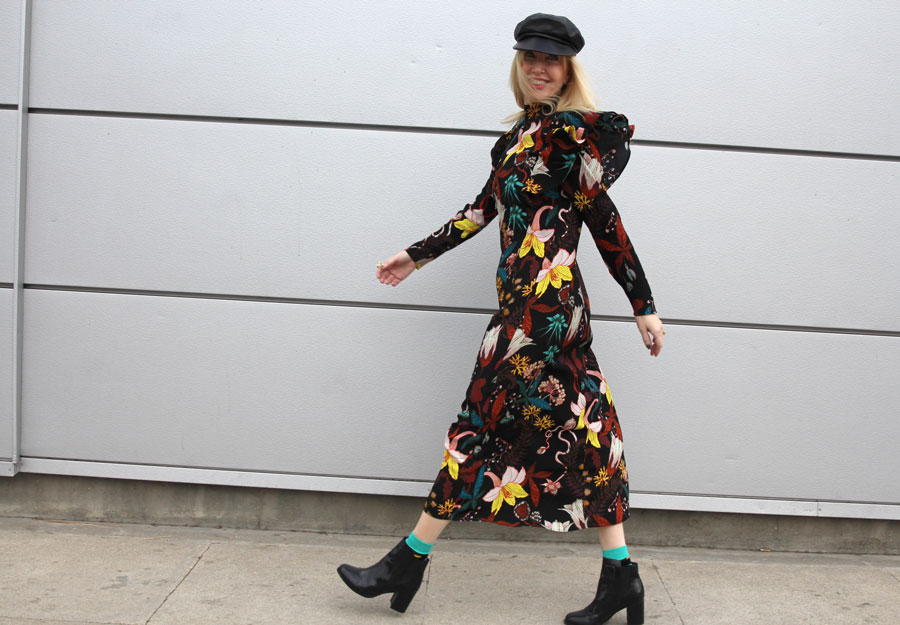 currently crushing, H&M floral dress, #ladylike #hm, fall fashion from H&M, newsboy cap, chelsea boots, happy socks