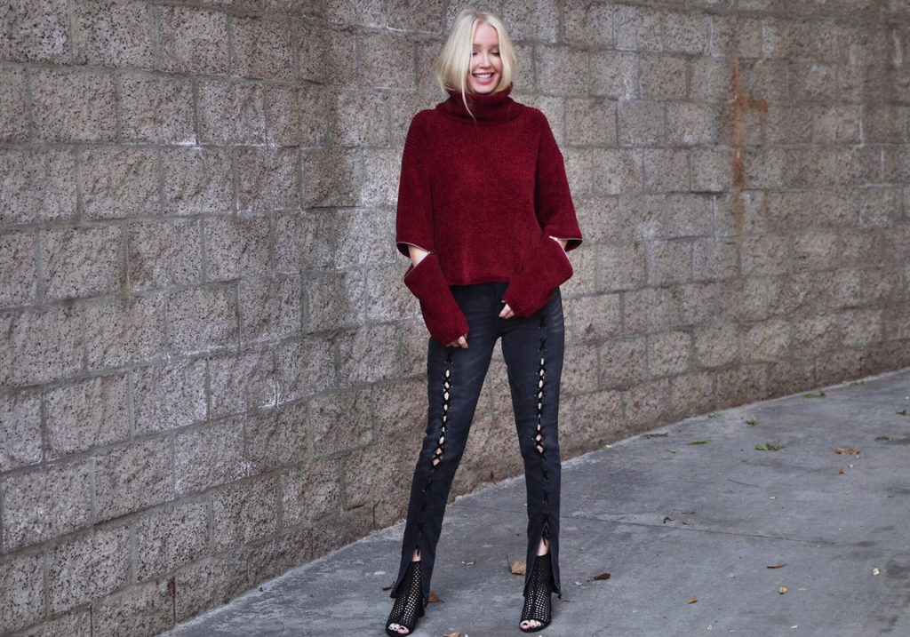 willow and clay sweater, blanknyc lace up denim, sam edelman fringe booties, currently crushing fall fashion