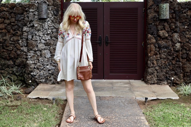 boston proper dress, bernardo sandals, blanc and eclare sunnies, hammit la purse, kahala coffee in waimea