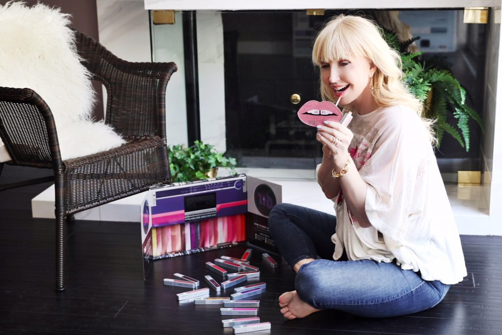 currently crushing, urban decay hi fi cushion lip gloss, urban decay cosmetics, urban decay cushion lip gloss review