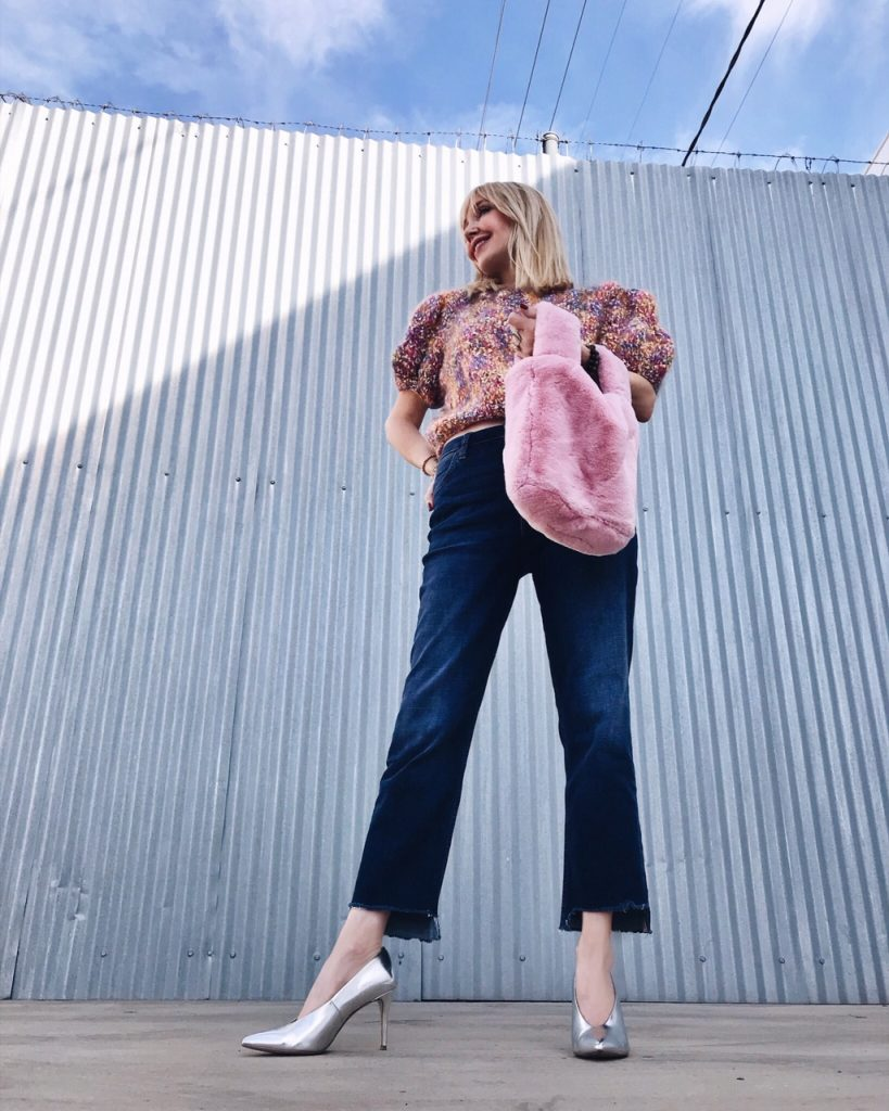currently crushing, wrangler jeans, vintage short sleeve sweater, chinese laundry heels, pink fur tote bag, coco and carmen