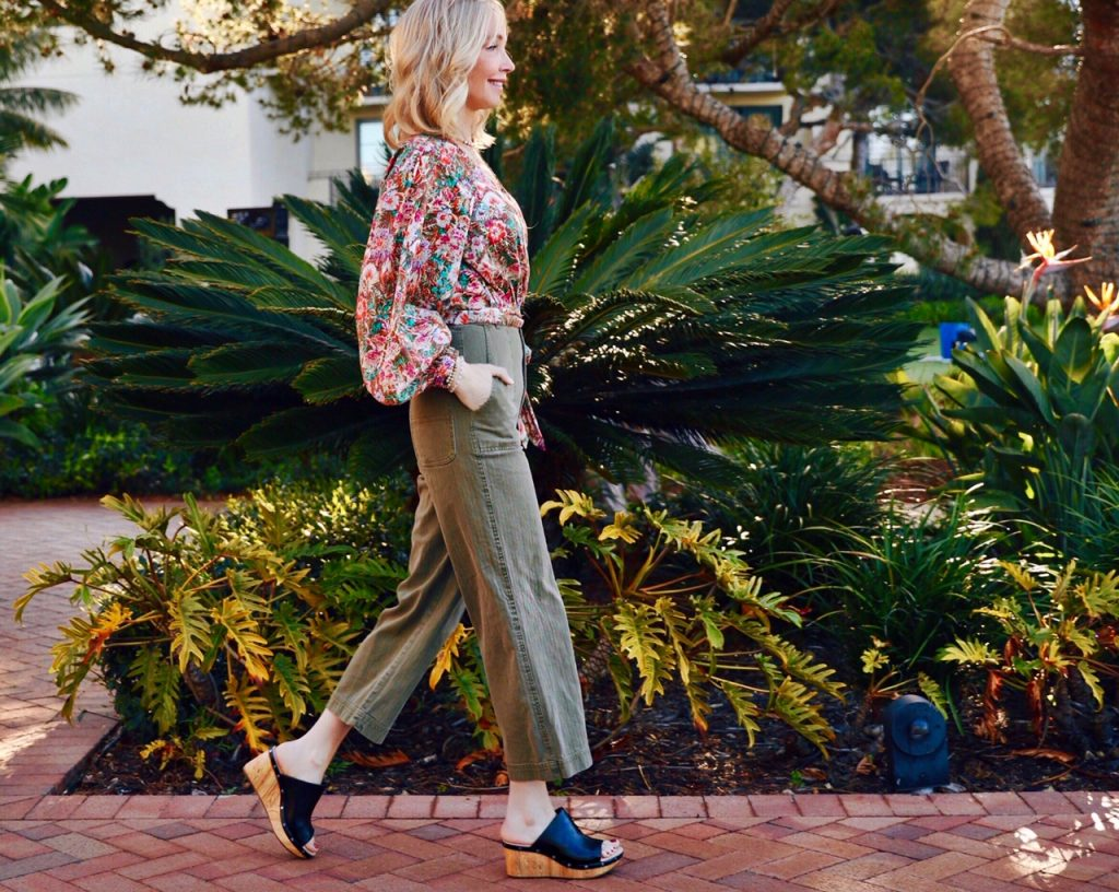 currently crushing, Clarks sandals, zappos, free people sale, what to wear to terranea resort, resort style, weekend style